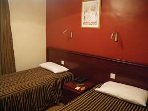ホテルの部屋(ロンドン アスコットホテル)