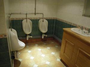 ライムストリート駅近く、中華ビッフェのトイレ2